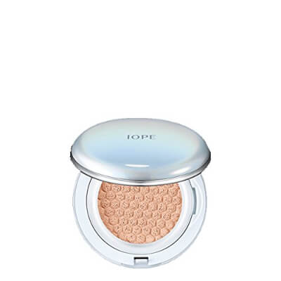 IOPE – Air Cushion Compact perfectly blends and spread on your skin and protects it from UV Rays