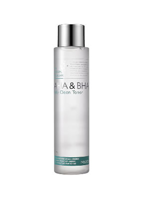 Korean Skin Care Routine For Oily Skin Step 4 - Use A Toner