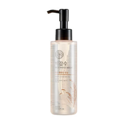 The Face Shop – Facial Cleanser Natural Rice Water moisturizes your skin and brighten it without giving an artificial look